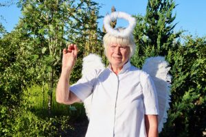 Gitte Dalskov forklædt som engel.